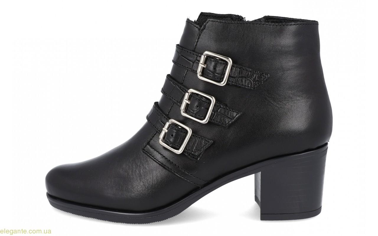 Жіночі черевики з пряжками BDA  0