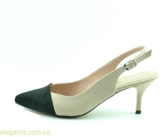 Жіночі відкриті туфлі DIGO DIGO тілесні 0
