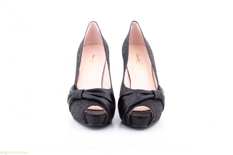 Жіночі туфлі VOGA чорні від Jennifer Pallares 0