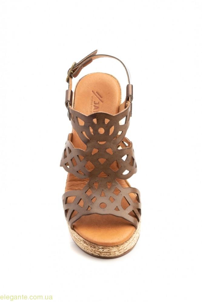 Женские босоножки на каблуке  JAM коричневые 0