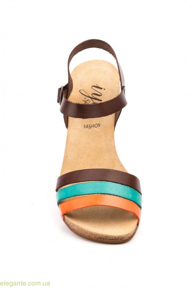 Жіночі босоніжки IYE SPAIN коричневі 0