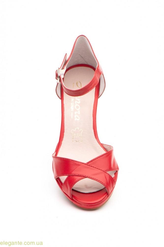 Жіночі босоніжки на каблуку ANNORA червоні 0