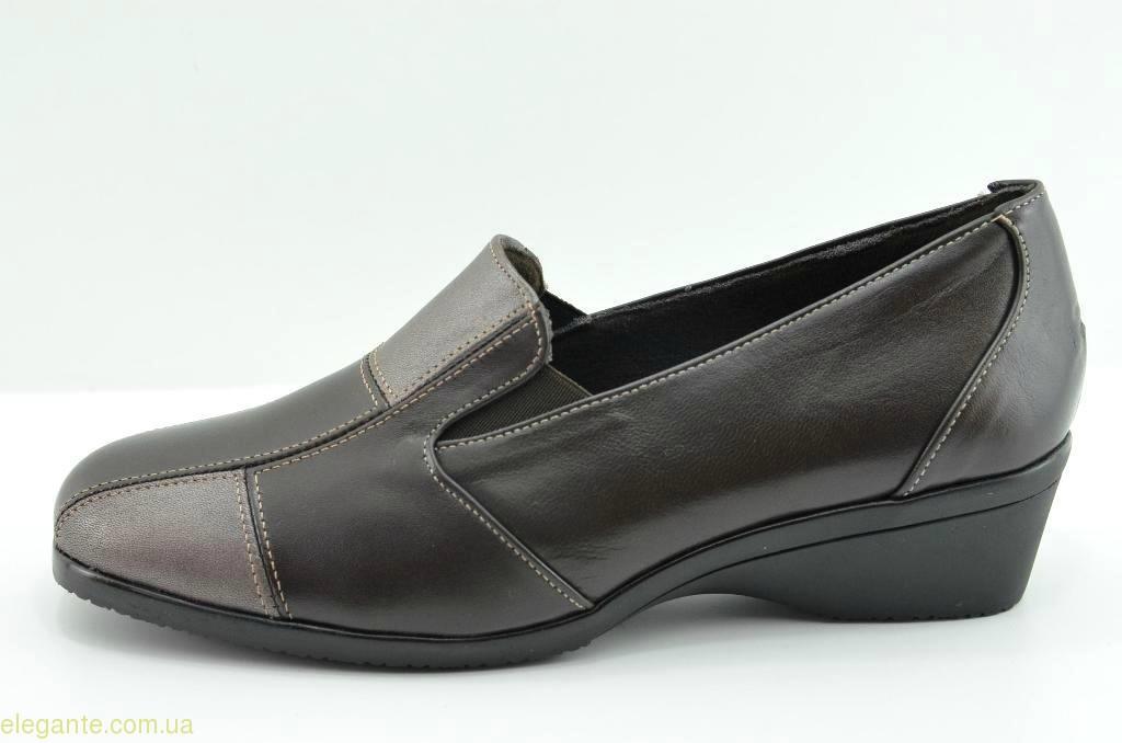 Жіночі туфлі на танкетці DIGO DIGO коричневі 0