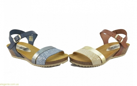 Женские сандалии на корковой танкетке DIGO DIGO