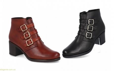 Жіночі черевики з пряжками BDA
